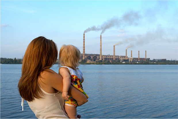woman_child_pollution